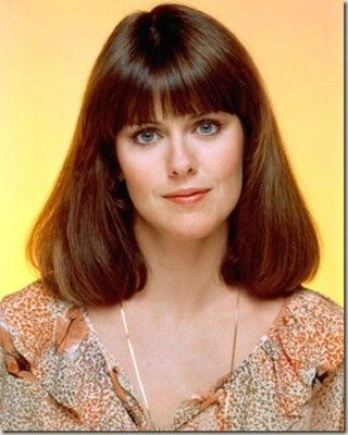 Happy Birthday goes out to Pam Dawber who turns 69 today.