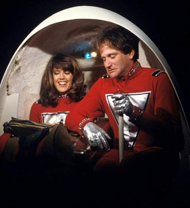 Happy Birthday to Pam Dawber who turns 69 today!  Pictured here with Robin Williams on Mork and Mindy.
