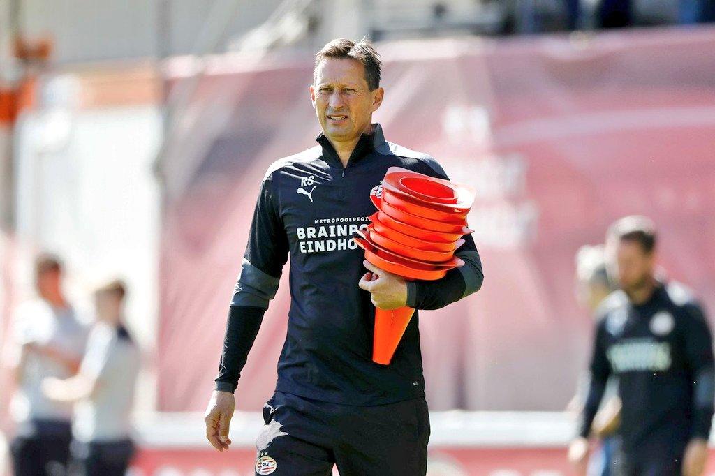 📍Ibrahim Sangaré (22|🇨🇮). 📍Philipp Max (26|🇩🇪). 📍Mario Götze (28|🇩🇪). 📍Eran Zahavi (33|🇮🇱). 📍Yvon Mvogo (26|🇨🇭). 📍Adrián Fein (21|🇩🇪).  Con llegada de Roger Schmidt al banquillo. PSV vuelve a ser competitivo y es el contendiente más fuerte para disputar el título con Ajax. https://t.co/XiURrVasHh