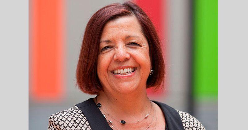 """Arrancamos la semana este lunes en #ElArranque de  @la2x4 con la médica argentina a la que la reina nombró """"miembro de la Orden del Imperio"""" la Dra #MartaCohen desde @SheffChildrens en #Inglaterra  desde las 9 a.m. hasta las 12 @ArgtTANGO @VacunaDeO @VacunaDeOxford @Calyprensa"""