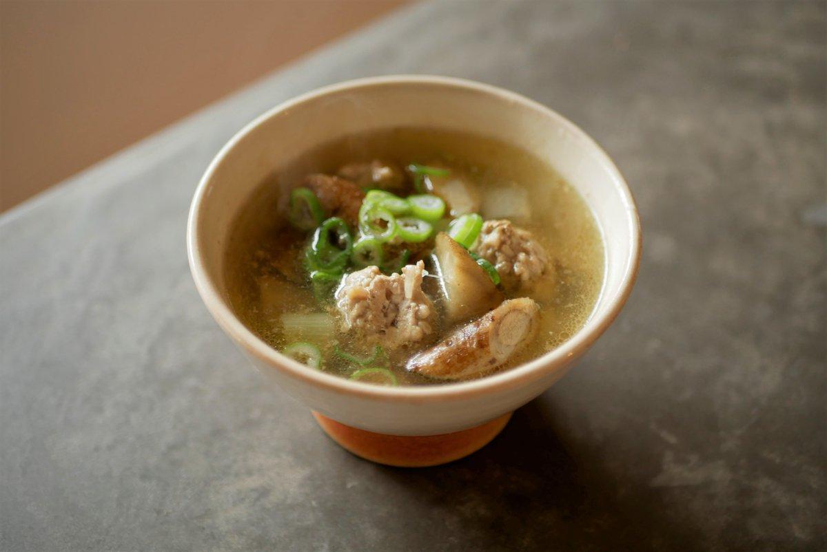 ごぼうの魅力はもちろんなんですが、ひき肉をスープに使うときの簡単でおいしいやり方、ぜひ。|ほくほくおいしい、ごぼうと鶏ひき肉のシンプルスープ|有賀薫 @kaorun6 |スープ・レッスン
