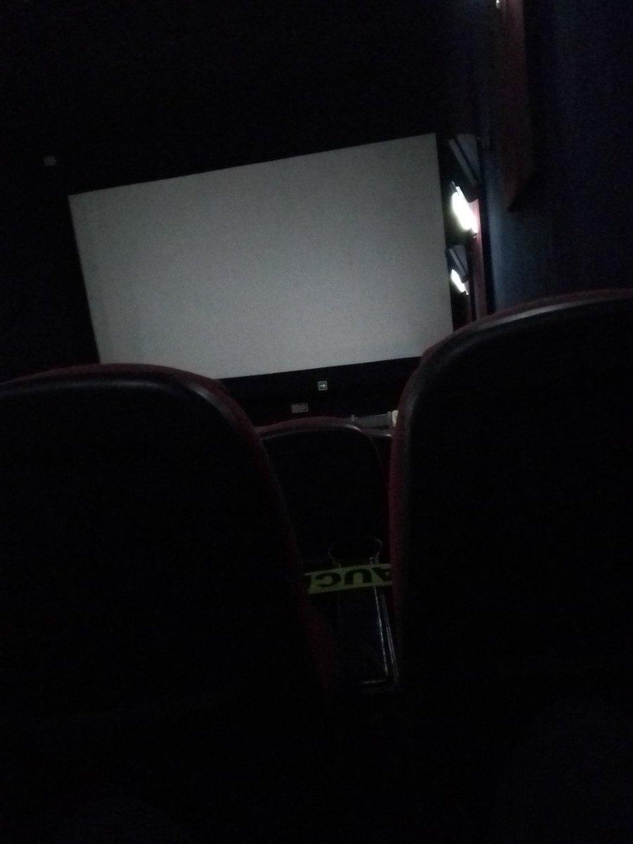 Un rato en el cine para revivir buenos momentos #FelizDomingoATodos #FelizDomimgo #FelizDia #SIGUEME #BuenasVibras #BuenasTardes https://t.co/8RHDXdce35