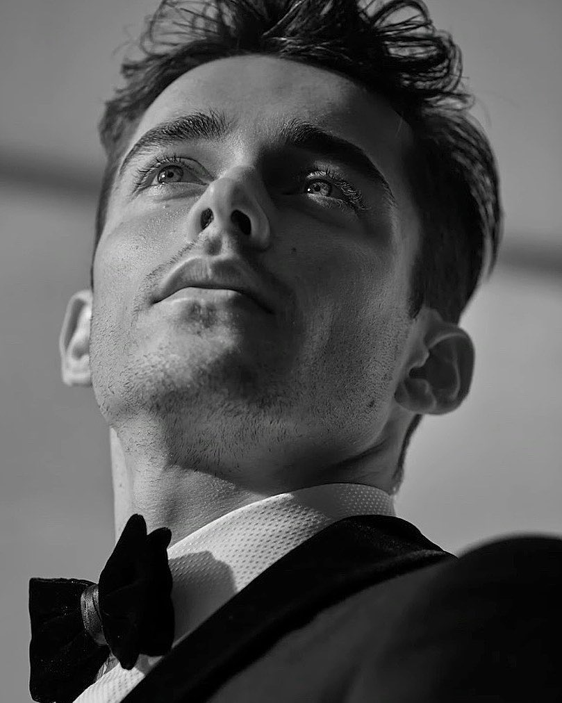 🥺❤️❤️ RT @LeclercNews: . @Charles_Leclerc for the Giorgio @armani Made to Measure Fall & Winter 20/21 Collection 🔥  📸 : John Balsom   #F1 #Charles16 https://t.co/1tftIeR2OK