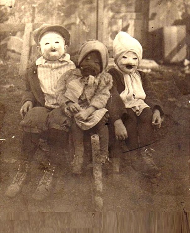 At least Halloween 2020 can't be scarier than Halloween 1920. https://t.co/N2uMaZOuLY