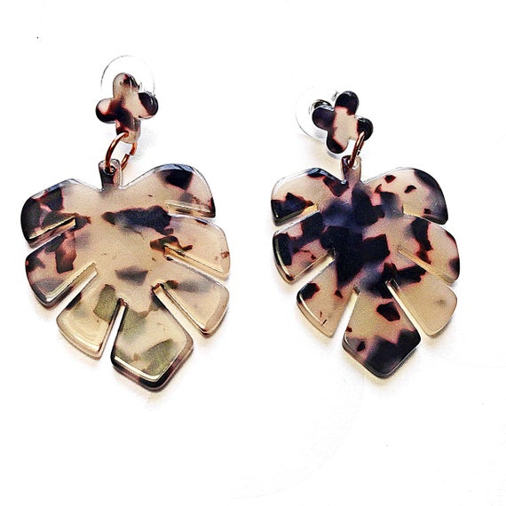 Faux Tortoise Shell Leaf https://t.co/fSfN6nBT9j via @EtsySocial #beaded necklace #metal beaded ncklace #Largeearrings #leafshape https://t.co/DV5T2IMnV0