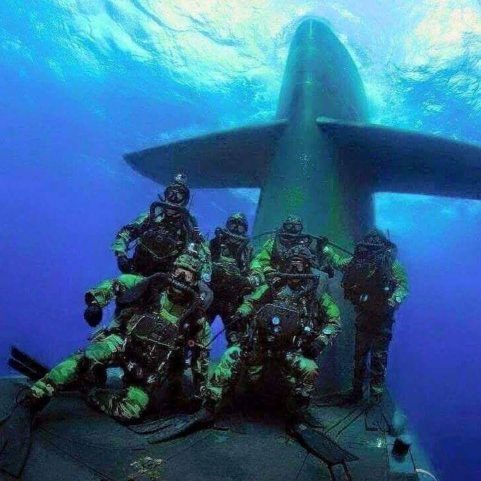 All in, all the time.' —Navy SEALs #TheChampionsMind 🏆 #commitment ⚓️ train.championsmind.app/now