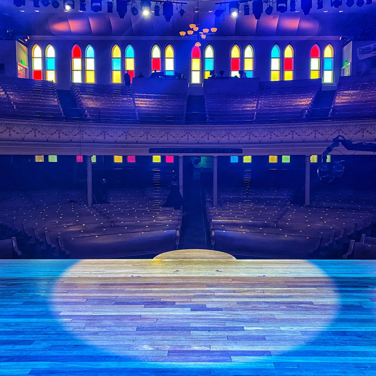 The lights are set and I'm ready to step into @theryman circle! Tune into #SOSFEST on @YouTube in just 30 minutes! https://t.co/Atfskom1B1 https://t.co/jFedHp23at