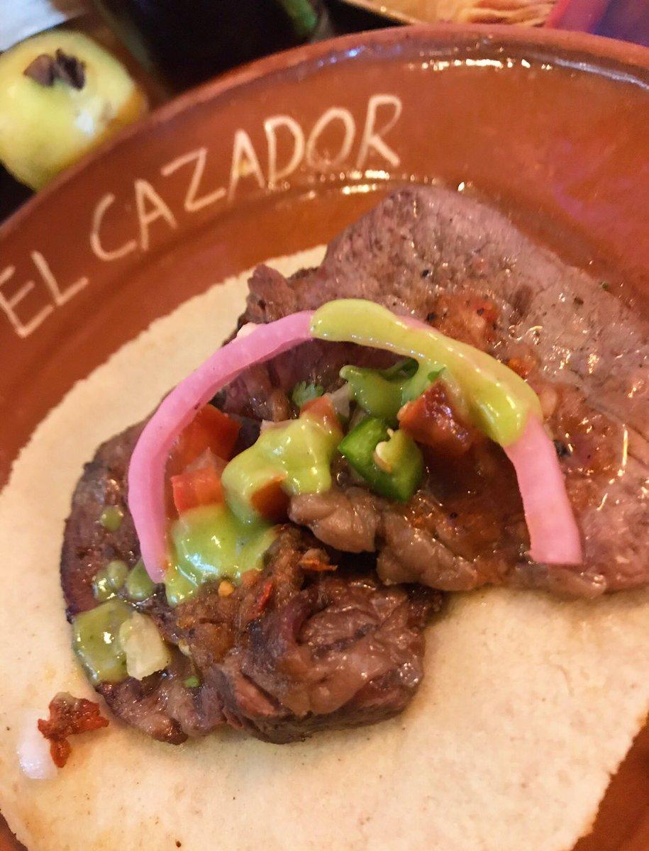 Taquear y reír : la cura para todo🤩😜🙌 #tacos  #FelizDomingoATodos https://t.co/yaboTwA6Fj