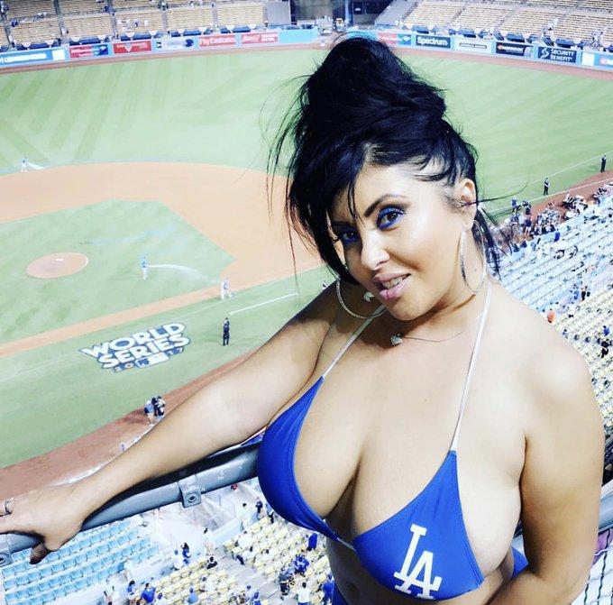 1 pic. Congrats @Dodgers World Series 2020! 💙⚾️🎉 https://t.co/EsQ4qrIdPj