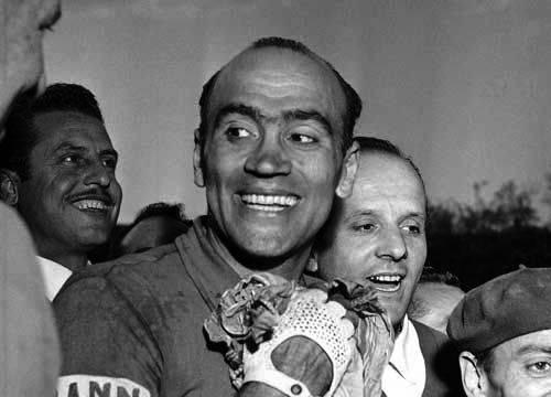 #ricordiamolo Primo italiano a vincere il Giro della Fiandre nel 1949. Fece sua la corsa dei Muri anche nel 1950 e 1951. Questi successi gli fecero conquistare l'appellativo di Leone delle Fiandre 💪  Fiorenzo #Magni ci lasciava il #19ottobre 2012 all'età di 91 anni 🙏 https://t.co/RvnQt2YYCv