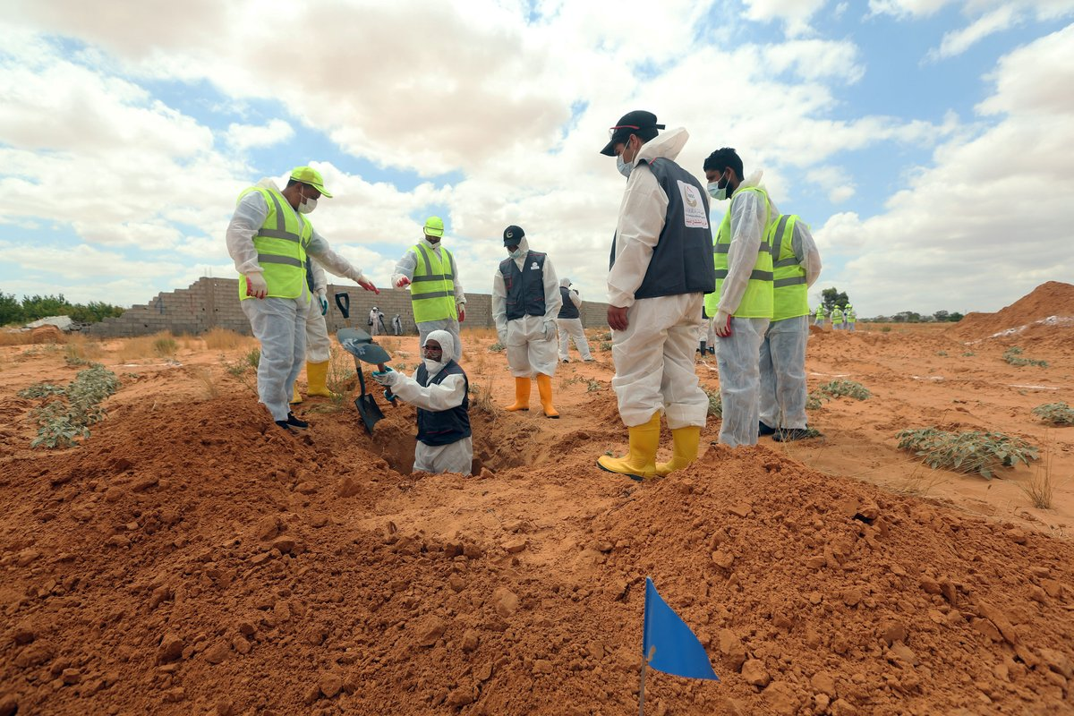 Libyan authorities have announced the recovery of 12 unidentified bodies in mass graves in the city of #Tarhuna , some 90 km south of the capital #Tripoli. https://t.co/FtX7NgaTU0