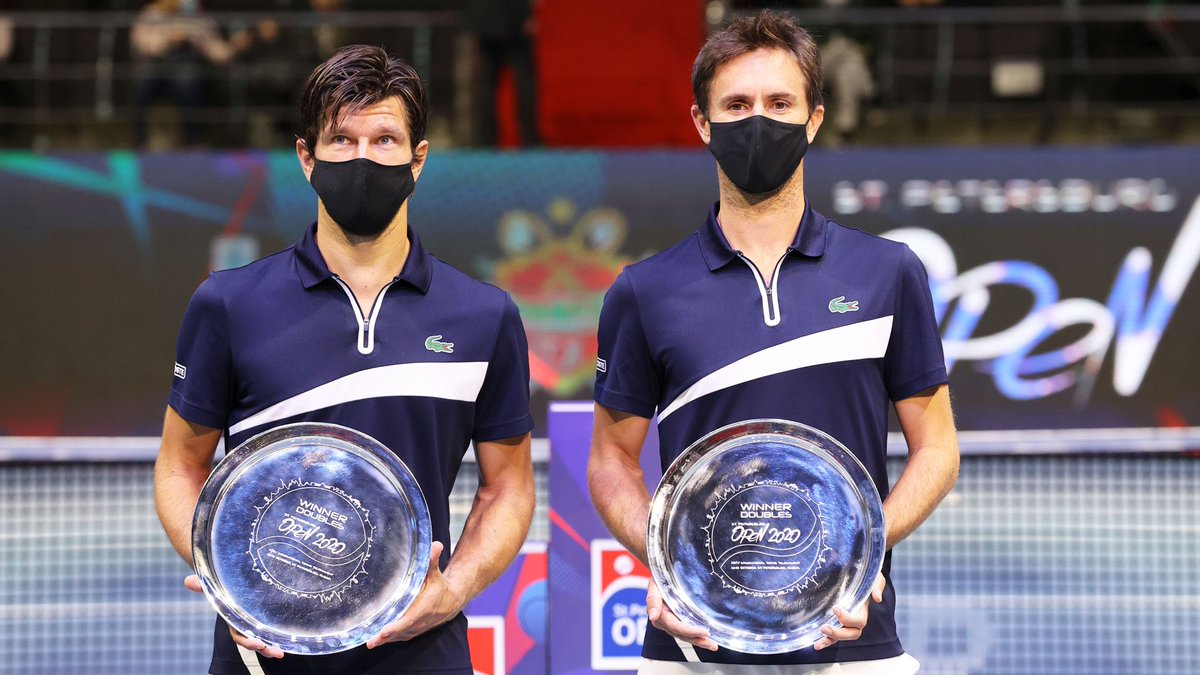 Thanks @Formula_TX for the great effort to organise this tournament. And thanks partner @jojomelzer 😊💪🇷🇺🎾🏆🥂 #21 https://t.co/1udknwdU6w