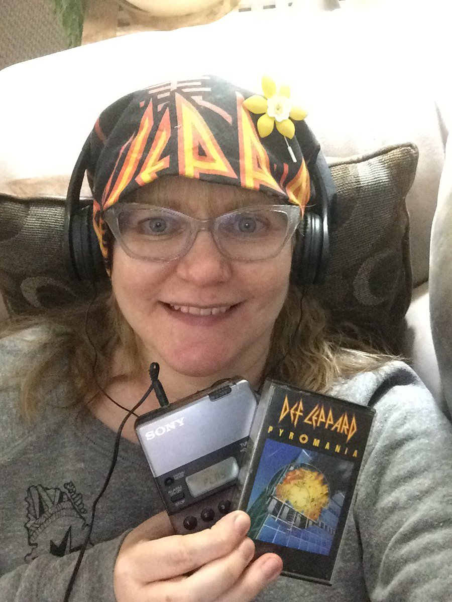 Same spot, same Walkman 🎧🎶, your tape, your bandana...a little Def Leppard time for you and me, buddy. Had to happen. Miss and love you forever, cuzzin Rob! ❤️❤️❤️🤘 #Pyromania #AnnualTradition #RockinOut #CancerSUCKS https://t.co/sWswE3cxAo