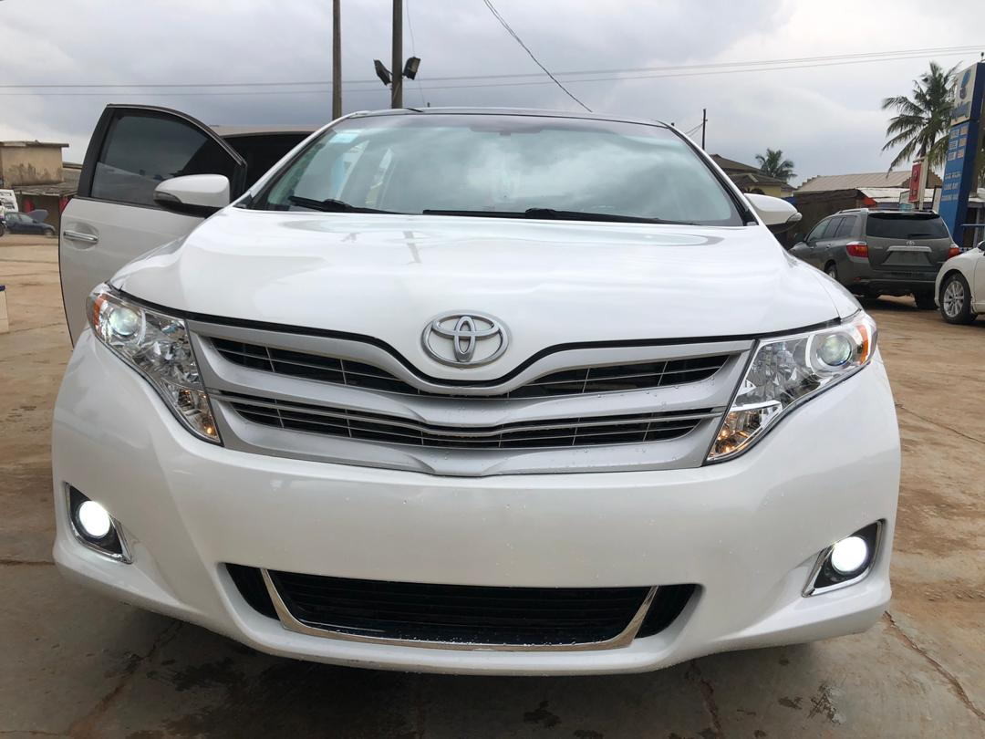 Manufacturer- Toyota Model- Venza Fullest option Year- 2011 Condition- registered, firstbody, leather seats, ac chilling,gear and other features in good working condition Colour- White Location- Ojodu,Berger Price -5m https://t.co/eTckxpQVCn