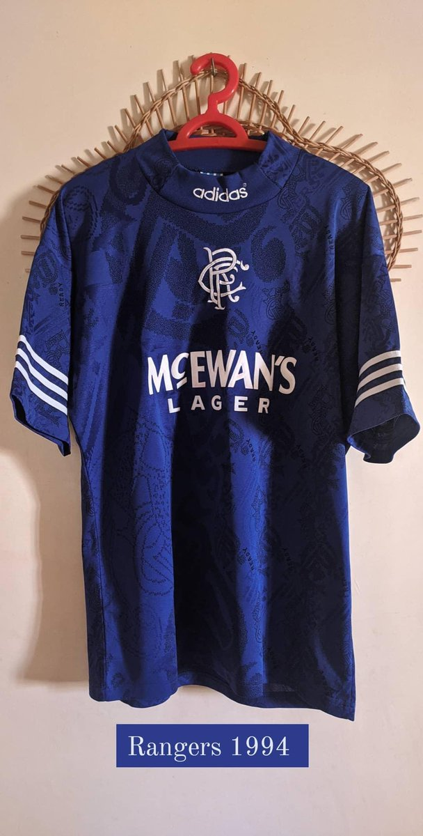 #Rangers home 1994-95 size M up for sale.  £140 including shipping. Shipping would take 2-3 days maximum from Tunisia.  #RangersFC @RobertH24492070 @retrogersshirts @RangersMemorab1 @TheRangersShirt @Gersmatchshirts @gersmatchworn https://t.co/JlJ9XG41iy