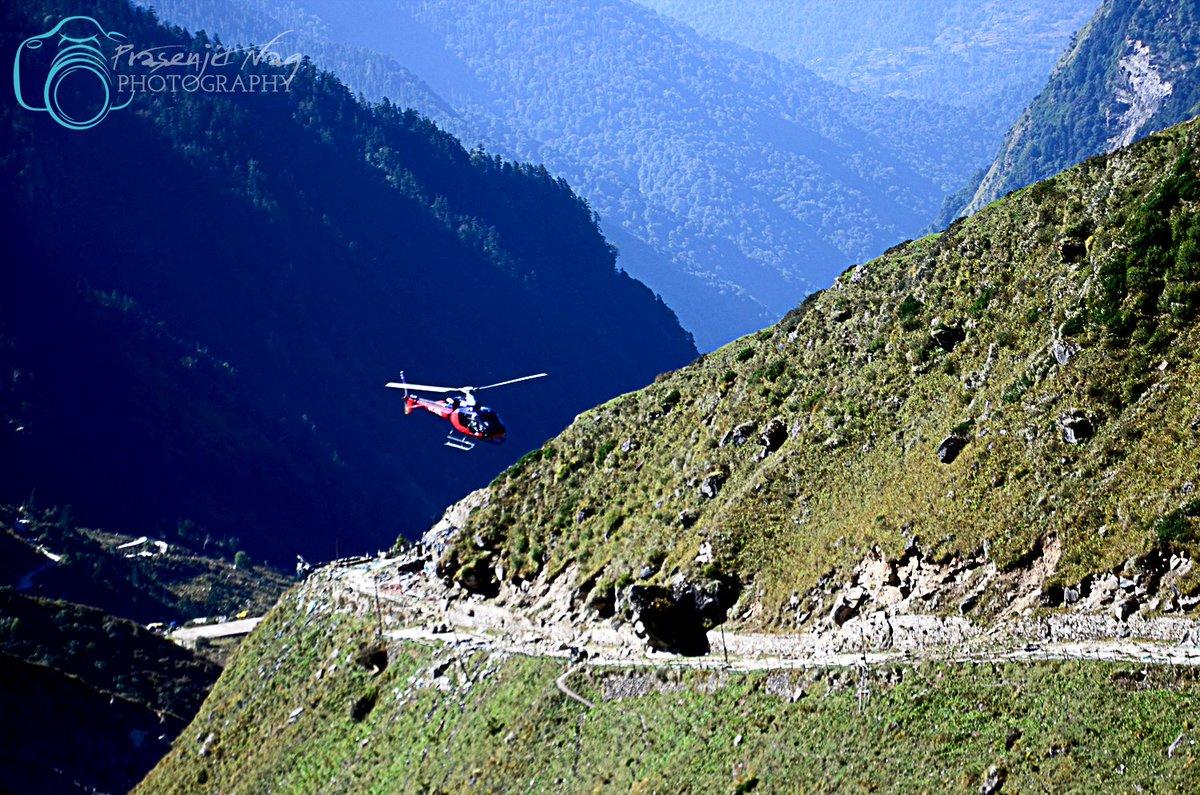 Enroute #Kedarnath #Valley #Rudraprayag #Uttarakhand #India #IncredibleIndia #uttarakhandtourism #Uttarachaltourism #Devbhoomi #Garwal #Himalayas #Simplyheaven #trekking #chardham #hikingadventures #snowpeak #heliservicesUttarakhand  @UTDBofficial @incredibleindia @MyAnandaBazar https://t.co/pnzCVz8QJ4