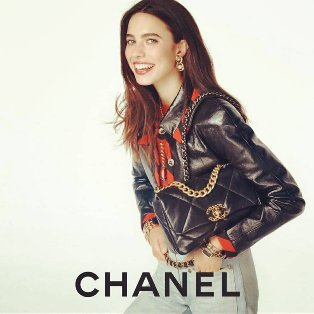 Loving @CHANEL ❤ Loving the CHANEL 19 bag, Actress Margaret Qualley, stars in the latest campaign imagined by Sofia Coppola. See the photographs by Steven Meisel of the Chanel 19 bag campaign @CHANEL and . ❤💕💙💜  #HandbagCHANEL19 #CHANEL