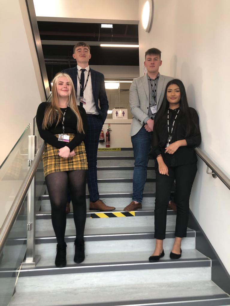 And the winners are🥁....Head Boy: James Addison, Head Girl: Ella Highley and deputies Dylan Johnson and Shazna Ali 🙌 Congratulations and well done to everyone who took part! #studentleadership #photoshoot #year13bubble