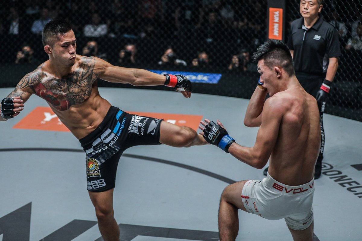 """😞 May 2018: Loses ONE Featherweight World Title bout to Martin Nguyen 👑 May 2019: Upsets Shinya Aoki to capture the ONE Lightweight World Title 🏆 Oct 2019: Steps in on 10 days' notice and beats """"Dagi"""" to win the ONE Lightweight World Grand Prix  #MondayMotivation #WeAreONE https://t.co/se5gxGtqDj"""