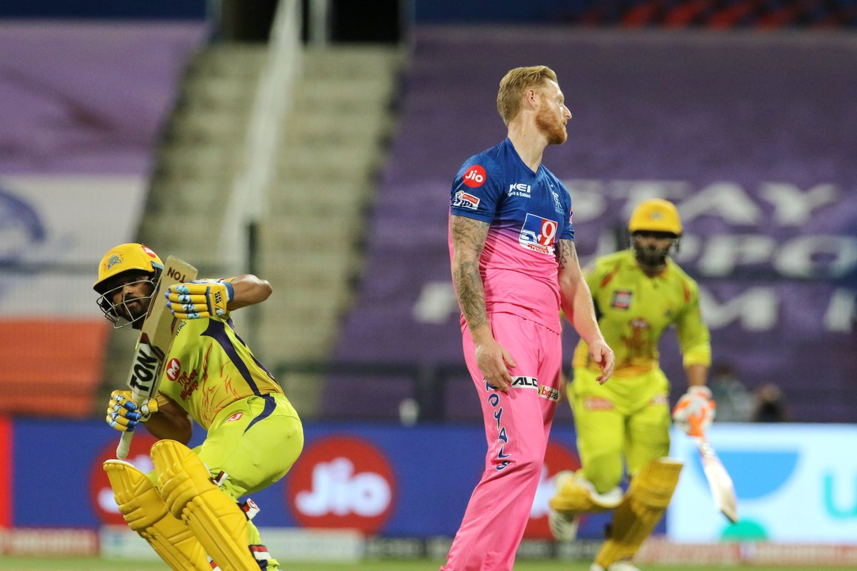 Kedar Jadhav heaves a sigh of relief after Jofra Archer puts down a sitter at long-off. Ben Stokes doesnt believe what he is seeing. #CSK 121/5 in 19.2 overs 🚨 Follow #IPL2020 #CSKvsRR 🏏 live: sportstar.thehindu.com/cricket/ipl/ip…