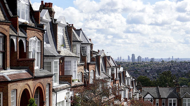 Camden residents & landlords can now apply for the Green Homes Grant to secure funding & make their homes more energy efficient.  To learn more, join @CamdenCouncil & @EcofurbHomes  for an upcoming webinar on Thurs 29th Oct, 6 - 7.15pm. Click to register: https://t.co/Zto8RjhHQU https://t.co/6d1g6kpq4A
