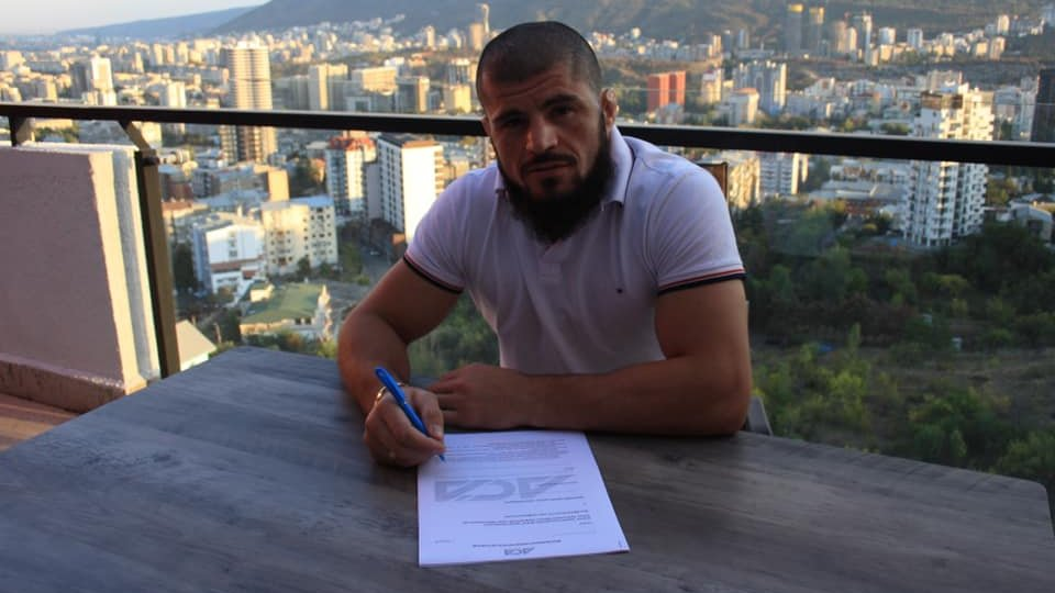 """🚨Georgian Lightweight Rauli Tutarauli (25-5) just signed the contract with #ACA !  """"I had a negotiations with UFC over a months and they asked me to move in US and fight in somewhere, but it wasn't possible because of COVID-19. then I signed with ACA.""""  #UFC #MMA #RauliTutarauli https://t.co/ymS09vcxVC"""