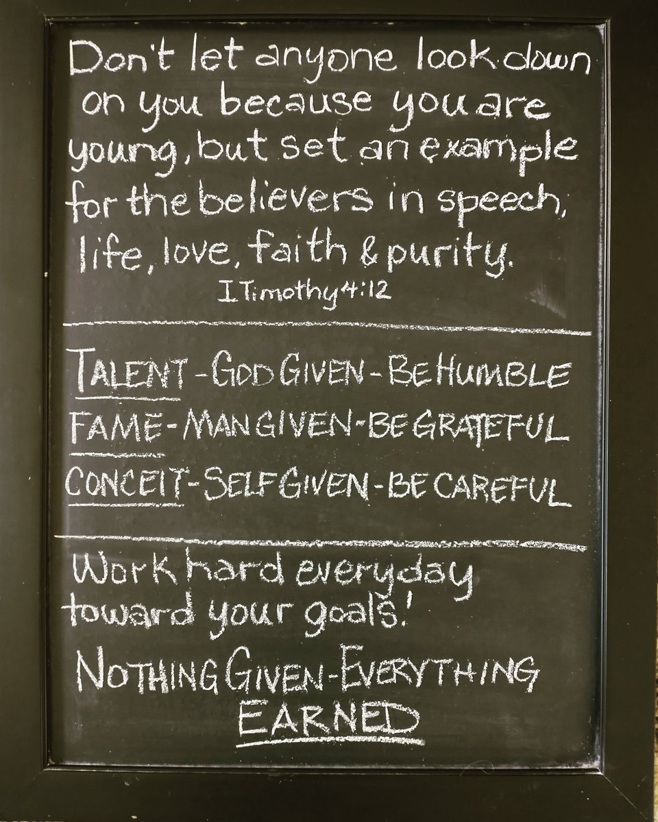#motivational #chalktalk  for the boys this week #nothinggiveneverythingearned https://t.co/FVwR13HH9k