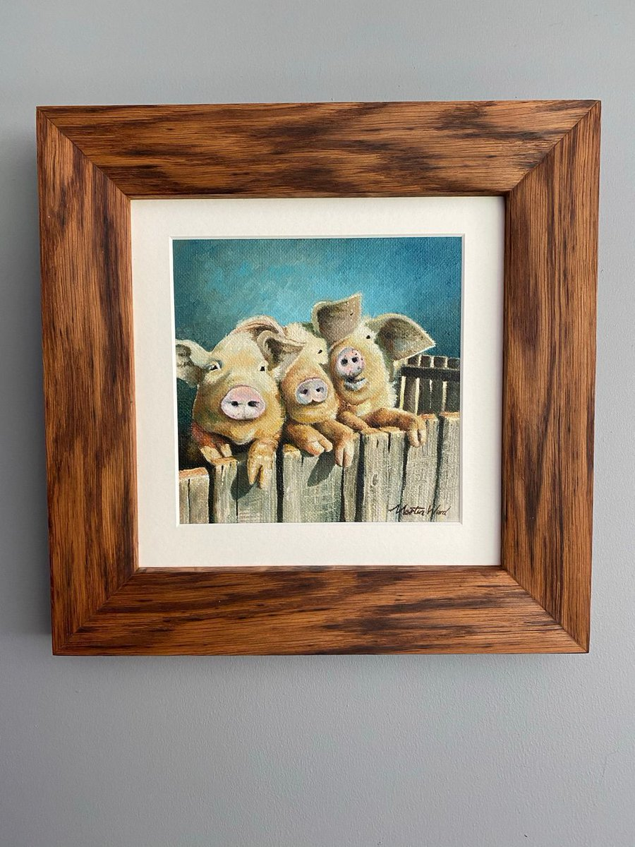 Our original oil painting of Three Cheeky Pigs in handmade Tiger Oak solid wood frame - now with 15% off for #lincsconnect followers.  Use voucher code LINCSCON15 at https://t.co/pvJPDyw3uG #giftideas #lincolnshire #originalart #lincsconnectchristmas #lincsartcrafthour https://t.co/XSeNJ19gBi