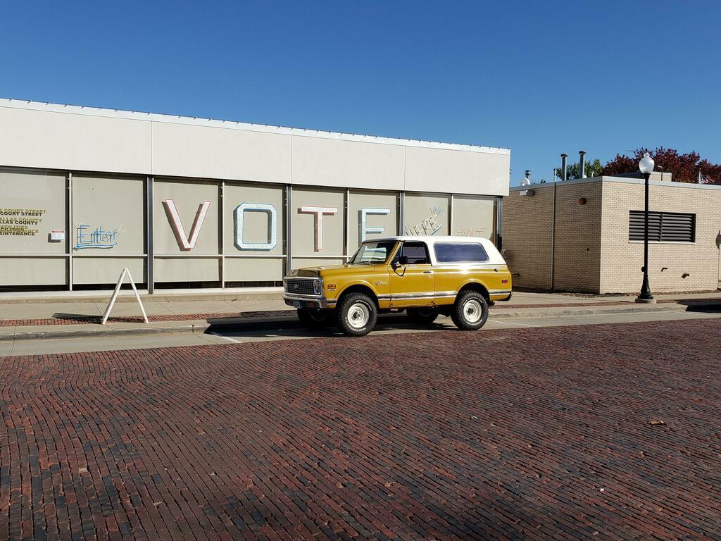 Chevrolet, can you hear me? This is a Blazer #bugatti #ferrari #porsche @cars https://t.co/ooqwiyYlRL