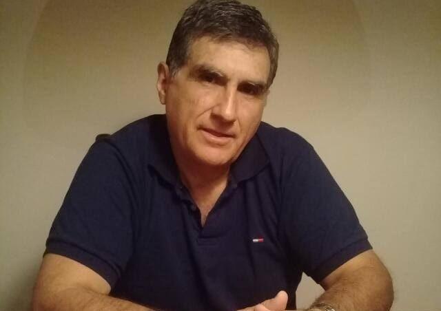 #AireBonaerense [ENTREVISTA] 📞 #Ahora Hablamos con Federico González (@fedeideas), encuestador y analista político sobre la marcha virtual del 17 de octubre  💻 Escuchanos en vivo por https://t.co/FKeHBqyYPo https://t.co/hS1TCHX9Dy