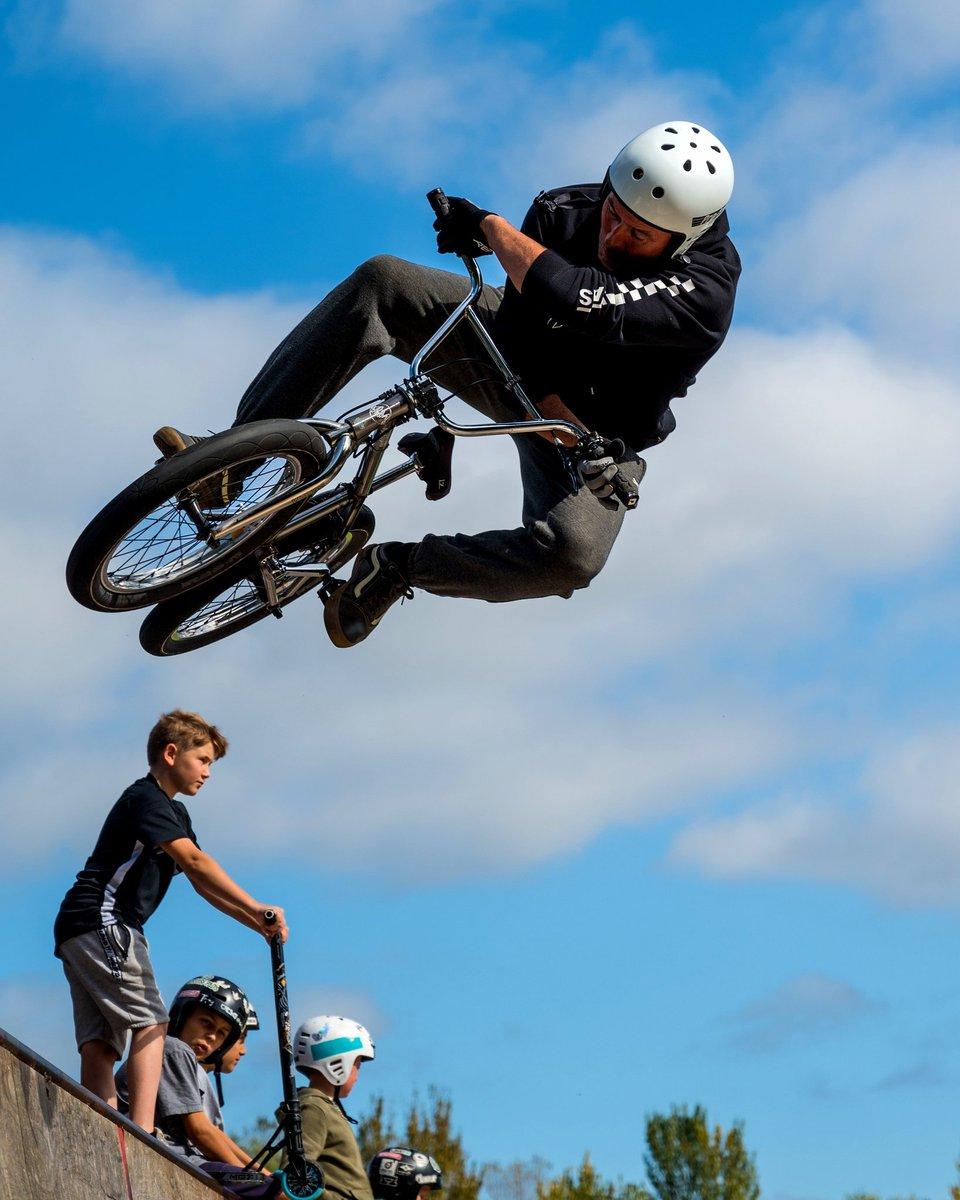 It's all about the #air...   #bmx #ridebmx #bmxlife #bmxstreet #life #bmxallday #bmxpark #bmxfreestyle #bmxlove #bmxfamily #bmxbike #bmxforever #ride #bmxracing #bike #bmxlifestyle #instabmx #bikelife #bmxforlife #vans #bigair https://t.co/pVgsmjpi45