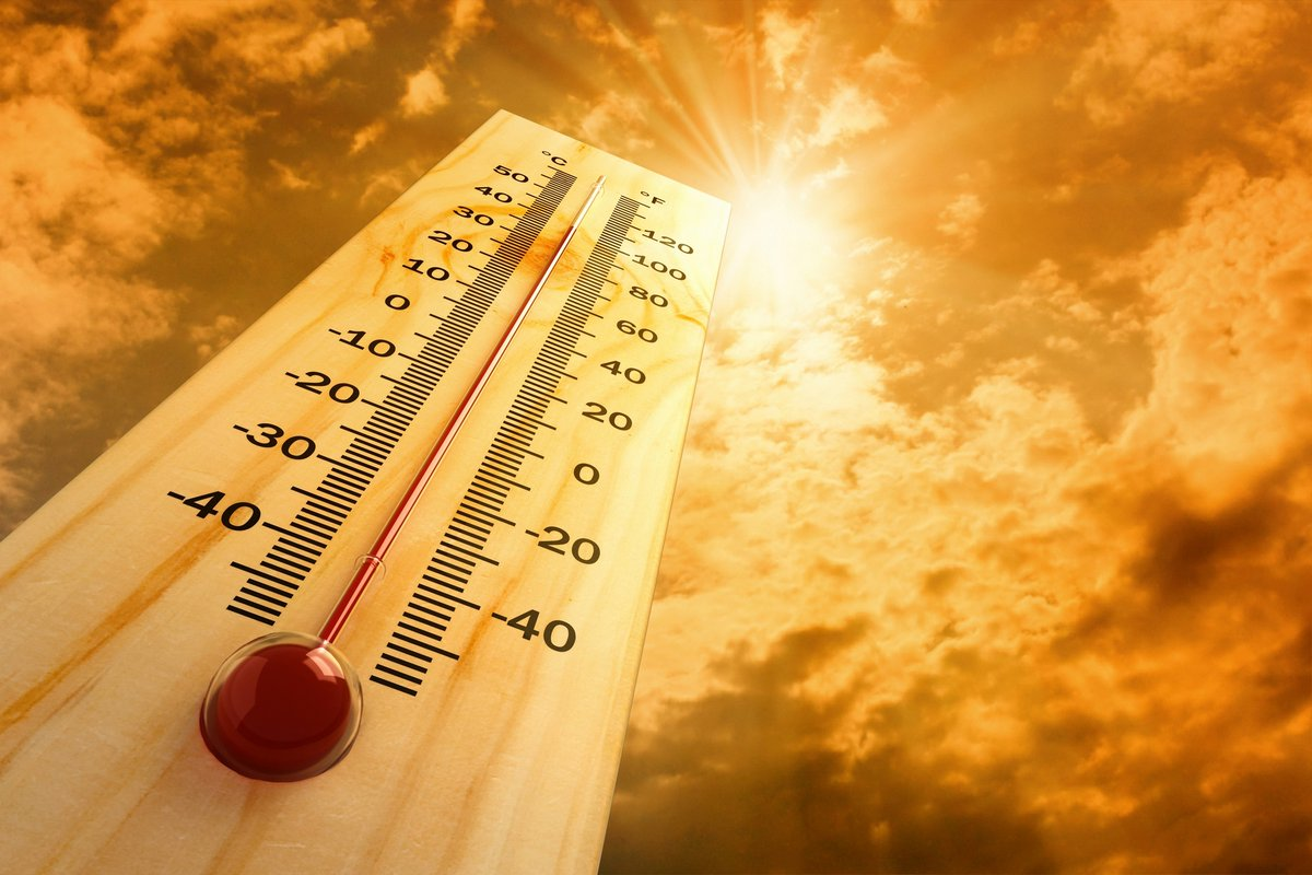 🌡️Temperatures are set to hit heatwave conditions this week – with @SAWeatherServic  warning that the mercury is expected to hit between 33°C and 36°C. Please drink plenty of water to stay hydrated and try stay in cool areas. #CoECares #CoEHot #heatwave https://t.co/8kBhIBg3oF