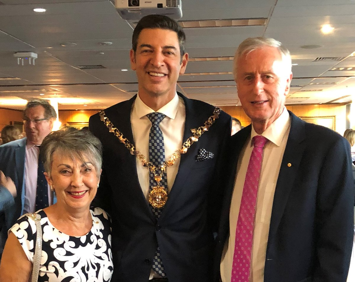 Celebrating this evening with Basil Zempilas, the new Lord Mayor of Perth https://t.co/nuL454K1Pe