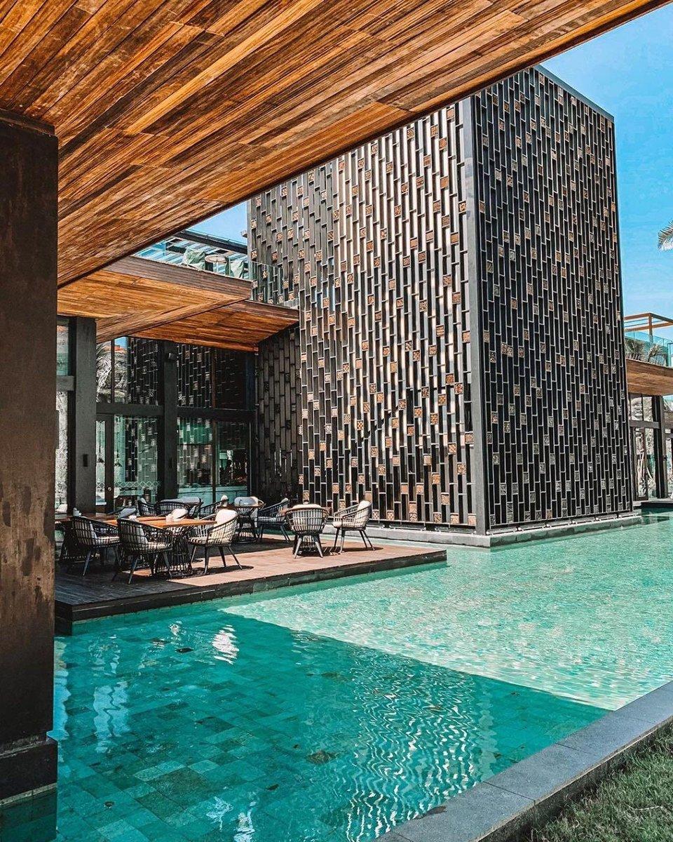 Dreaming of swimming pools and the beautiful The Apurva Kempinski Bali.  #Kempinski #KEMPINSKIDISCOVERY #DiscoveryLoyalty https://t.co/H7HTJQ6NJF