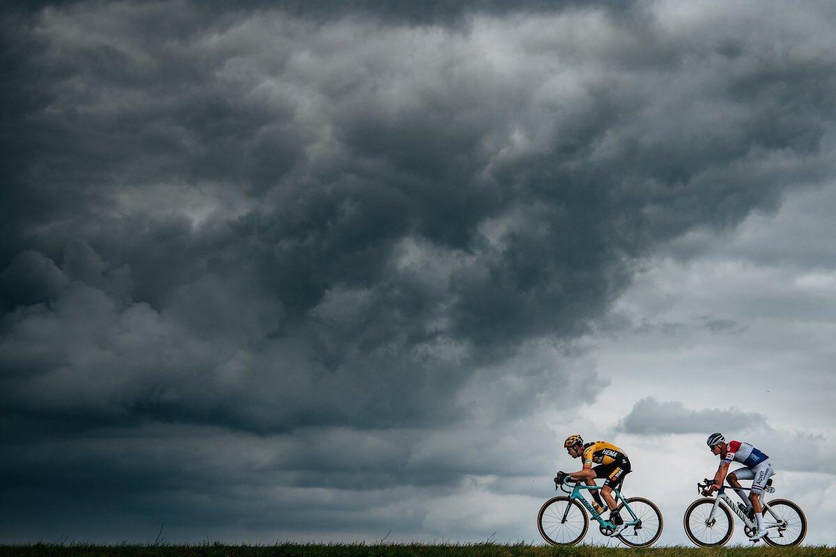 @UCI_cycling @mathieuvdpoel @WoutvanAert @Kristoff87 @RondeVlaanderen @RondeVlaanderen 2020: a tale of two giants.  #RVV20 #RondeVanVlaanderen #GirodelleFiandre #Giro delle #Fiandre 2020 #VanderPoel🇳🇱#vanAert 🇧🇪 📷 @jeredgruber / @a_gruber https://t.co/KEd2EQoji1
