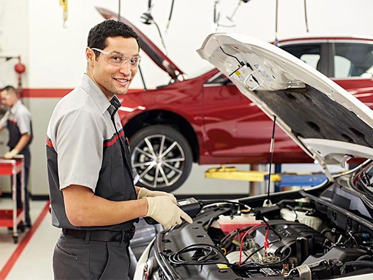 Our friendly service team is ready to take care of any problems and routine check-ups for your #Toyota vehicle! Set up an appointment today! https://t.co/3qHOdYIHd1