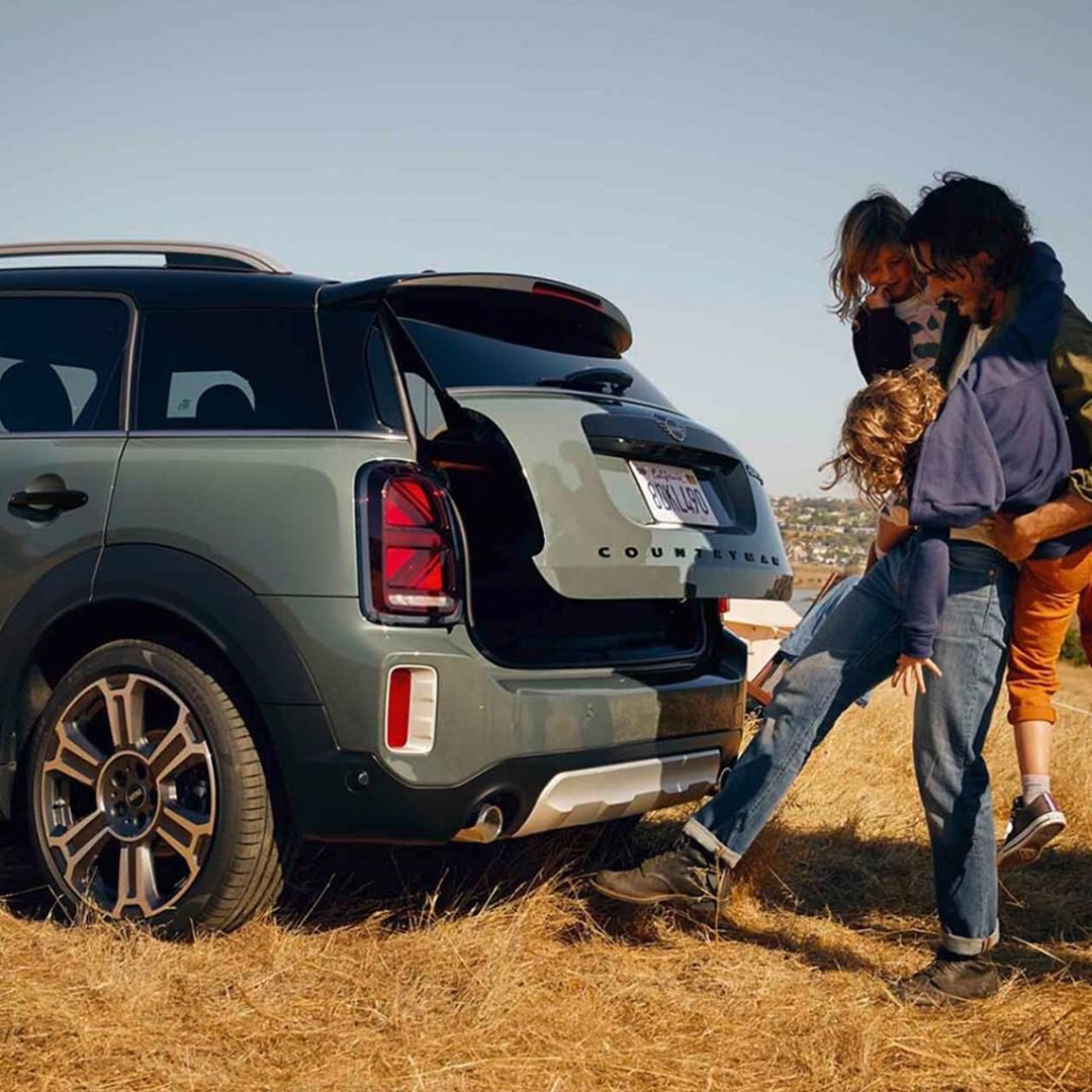 Live a new adventures and challenges with MINI COOPER #AlialghanimSons https://t.co/q3xmiHCyex