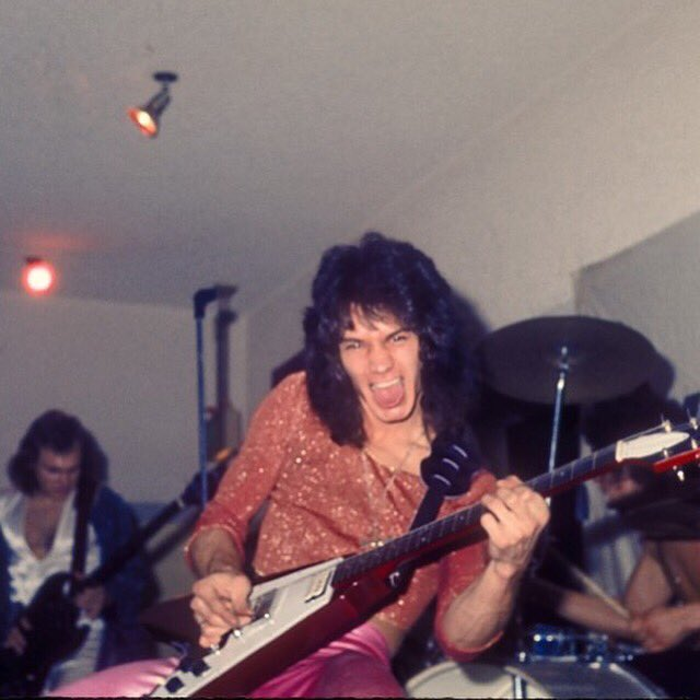 🔥Rock God🔥 #EddieVanHalen #VanHalen #EdwardVanHalen #vanhalenarmy #themightyvanhalen #RIPEddieVanHalen #EddieVanHalenRIP #rockgod #Legend #MondayMorning #mondaythoughts #monday #MondayMotivation #inspiration #EVH #guitar