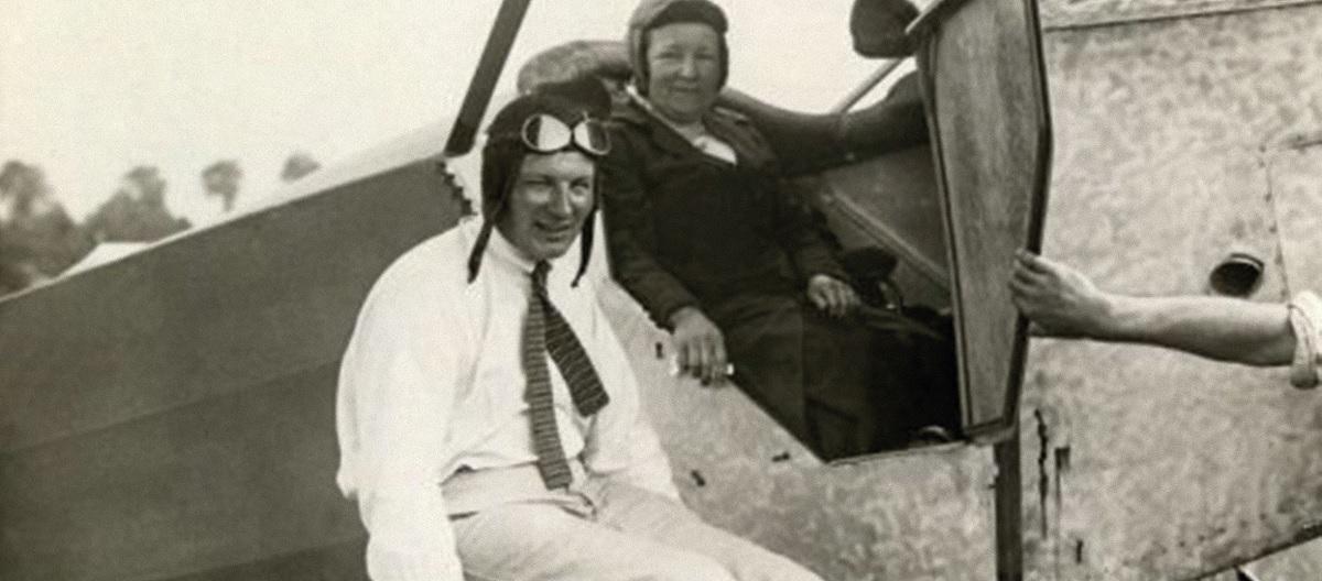 De nieuwe dramaserie Vliegende Hollanders gaat over de strijd en samenwerking tussen Albert Plesman en Anthony Fokker in de beginjaren van de KLM. Fokker werkte zich op tot 's werelds eerste luchtvaartmultimiljonair. https://t.co/wjUPI7MRoB https://t.co/N4WDz5NCNL