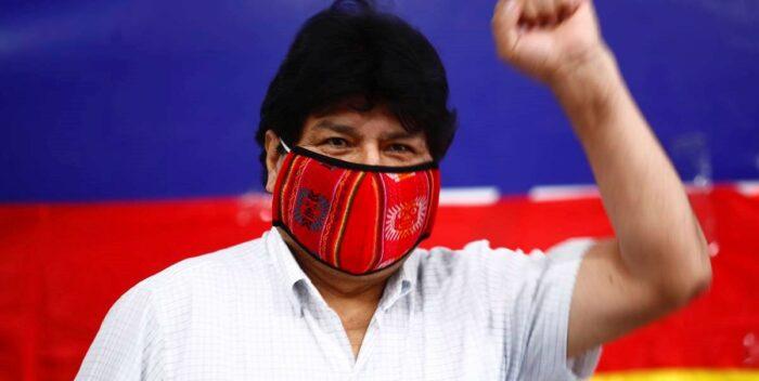 #Internacionales| Evo Morales aseguró que el triunfo le devuelve la dignidad al pueblo boliviano  Lee más #ElCandelazo 🔥  👉https://t.co/LvuSLq62xH  #20Oct https://t.co/z3bmKWs2aw