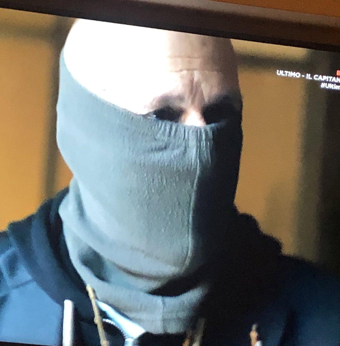 """@UltimoUMC @UltimoUMC  #fiero di aver indossato la divisa #armadeicarabinieri e aver dato mio """"piccolo"""" supporto !! https://t.co/1QshgavfM1"""