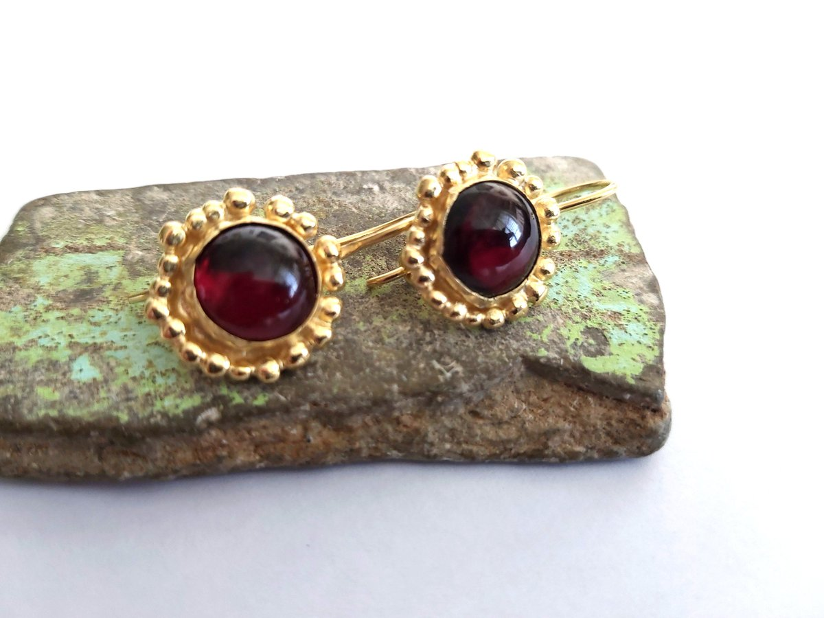 Excited to share the latest addition to my #etsy shop: Red Garnet Earrings,Genuine Natural Stone,Round Dangles,Precious Gemstone,Garnet Jewelry,Red Earrings,Burgundy Earrings,Gift for Her https://t.co/CWbWLCX5ia #earlobe #floral #gold #earwire #garnet #women #red #mini https://t.co/wLaTE2XVJY