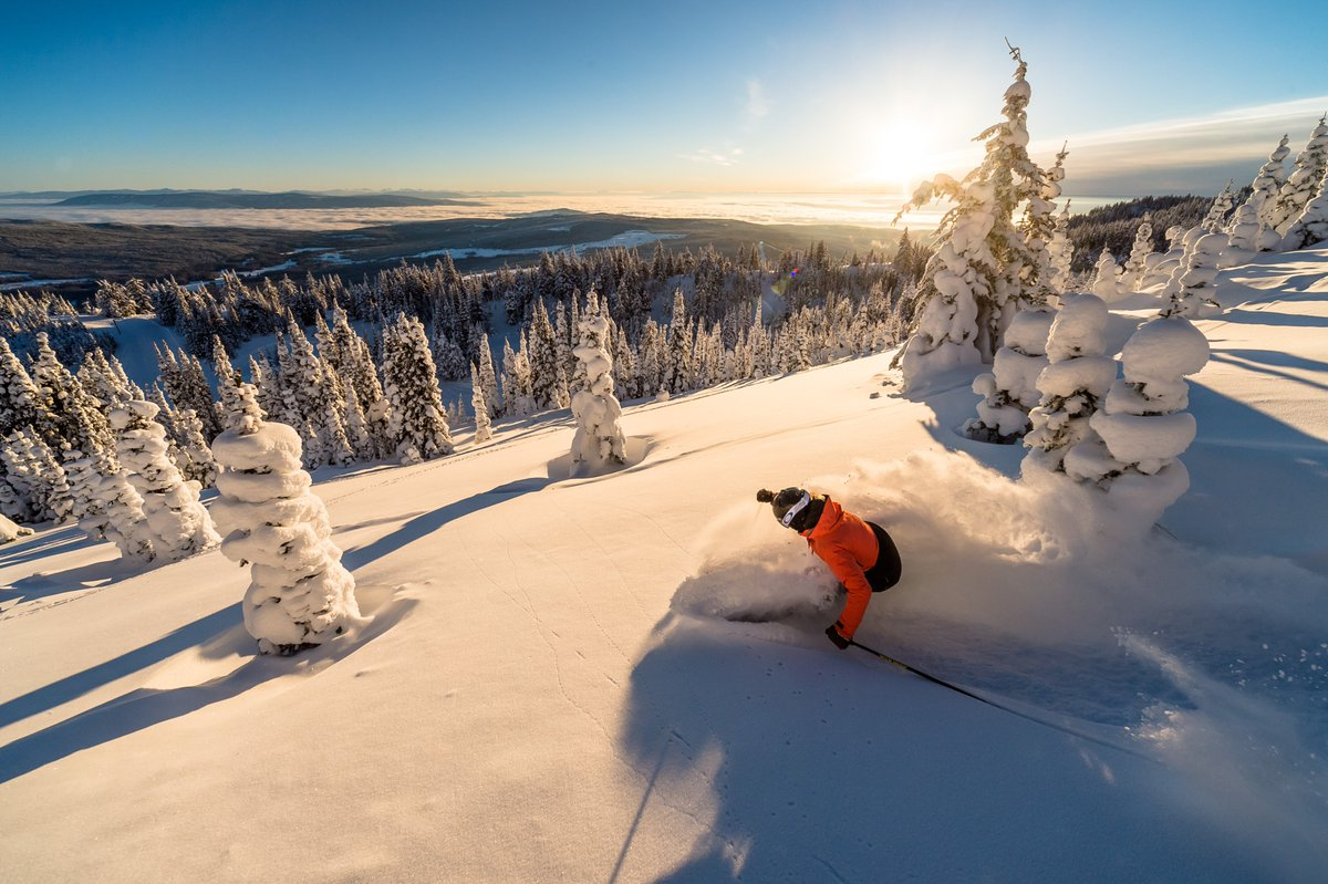 Make sure to swing by the Sahali @SaveOnFoods in #Kamloops for your chance to enter to win a weekend getaway to @SunPeaksResort 📷Blake Jorgenson #BuyLocal #BuyBC #ShopBC #BCWine #MonteCreekWines https://t.co/bdEYBXLWDA