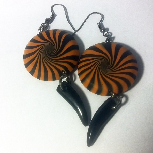 #black #costume #dichro #dichroic #earrings #freeshipping #gift #giftforwomen #goth #halloween #handcrafted #handmade #holiday #jewelry #largeearrings #madeintheUSA #orange #party #polymerclay #polymerclayearrings #shippingincluded #silver #spooky #stateme https://t.co/dqcNi1rXPU https://t.co/xrUO8WPo6h