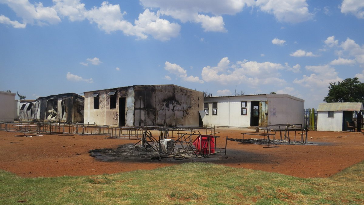 When Zonkizizwe fire fighters responded to a call at Thabotona Primary in Katlehong today six classrooms were already engulfed and destroyed by fire. The fire was contained and fortunately no casualties were recorded. An inquest docket was opened by SAPS. https://t.co/s8XVi8Deui
