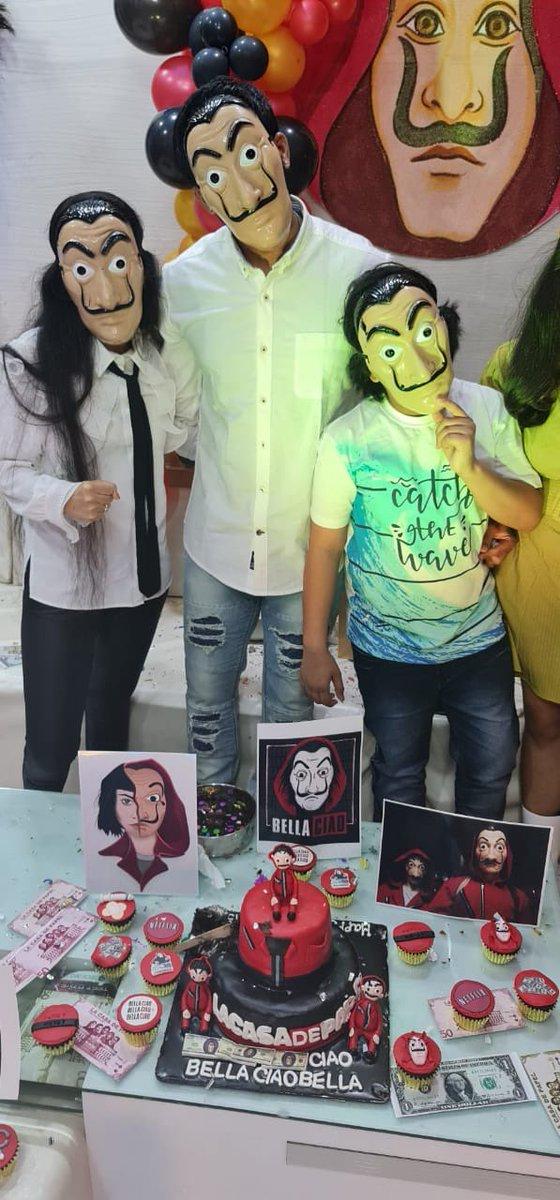 #SundayMorning #birthdaygirl #money heist #SalvadorDali https://t.co/xnkeOAyHqD