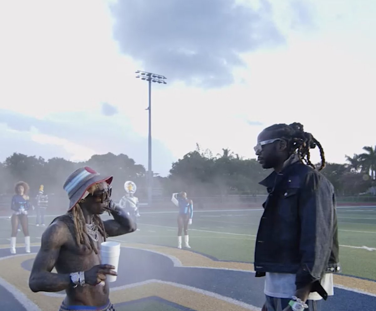 Watch how @2chainz and his producer Pizzle were able to make a record with that #HBCU energy! The groove and the swing on Money Maker came from Southern University's trombone section. Add in a verse from @liltunechi… and now you have a certified anthem. 🥁🎺🏈 #BeatxBeat
