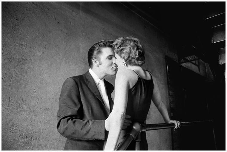 2014 - #ElvisPresley fotoğrafları ile bilinen Amerikalı fotoğrafçı #AlfredWertheimer öldü. #FotograftaBugün #todayinphotography #inthisday #19Ekim #October19 #otd https://t.co/yurPEwwI8y