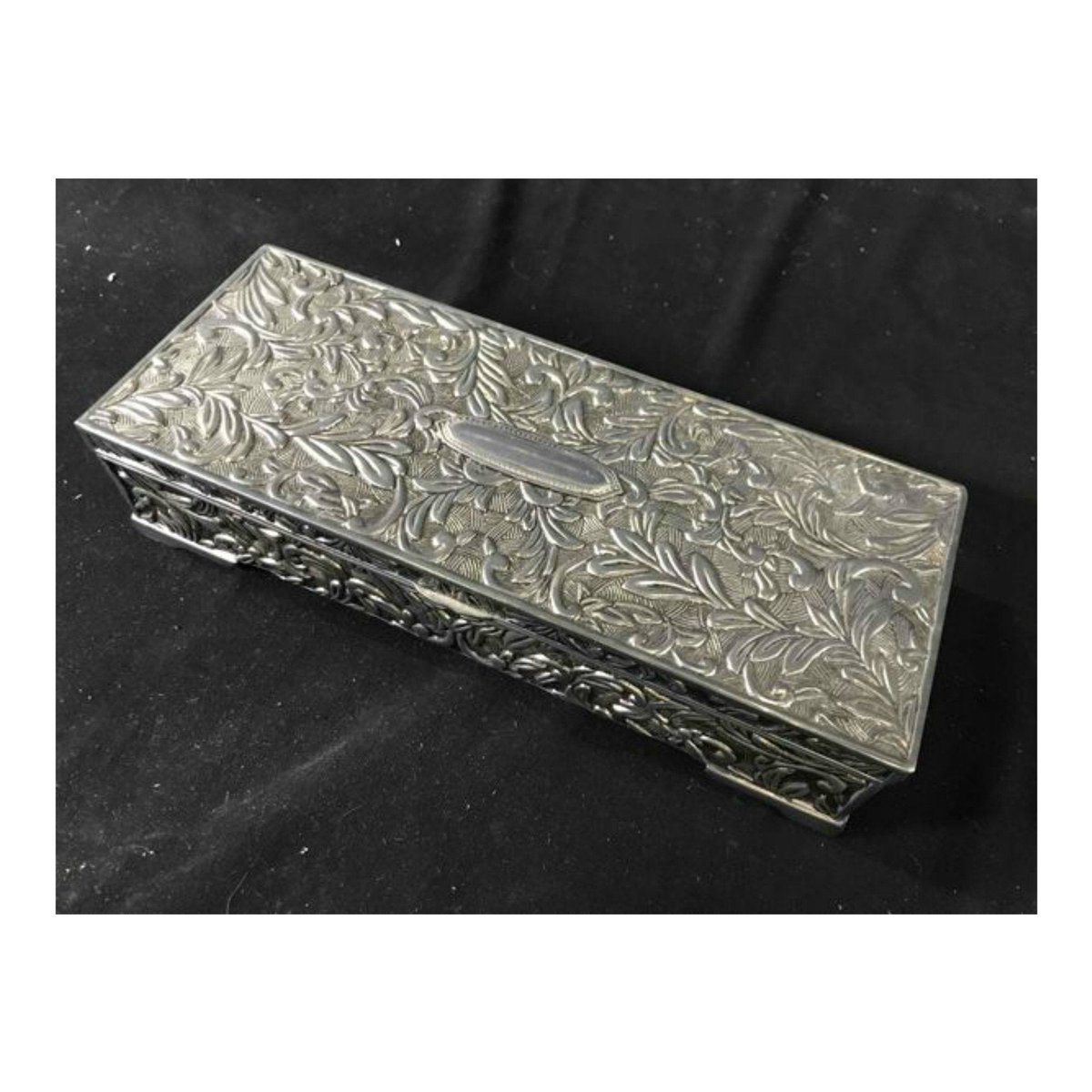 Vintage Godinger Silver Plate Jewelry Casket https://t.co/wIoxWuRz3N #silver #mothersday #rectangle #silverdresserbox #ornatesilverbox #trinketbox #jewelrybox #gotvintage #junkyardblonde https://t.co/FLLLLQOAc1