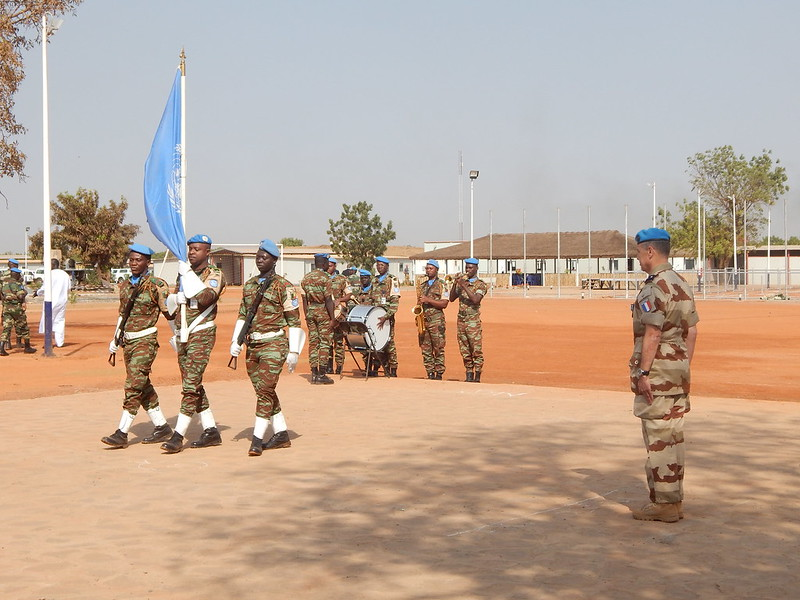 .@UN Secretary-General @antonioguterres, is calling on authorities in #Mali to take urgent action and apprehend the perpetrators responsible for two separate attacks on #peacekeepers serving with @UN_MINUSMA.  ➡️https://t.co/bPJUFa6hzA  #ServingForPeace #A4P #MINUSMA #peacekeeper https://t.co/kQdI27L2Sd